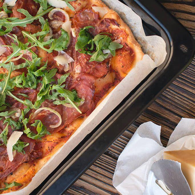 foodiesfeed.com homemade pizza crop